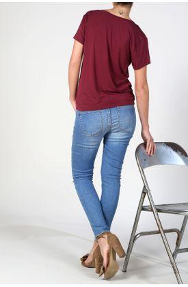 Tshirt-Esencial-Cuello-V