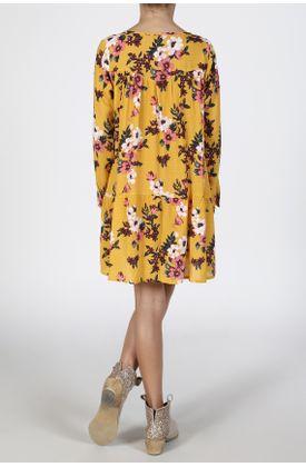 Vestido-corto-estampado-fondo-amarillo-flores