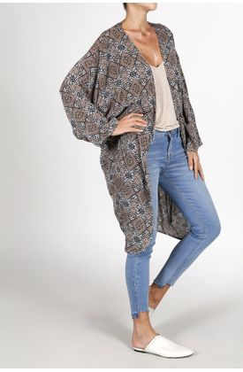 Poncho-estampado-tribal