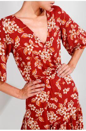Vestido-largo-y-estampado-de-flores