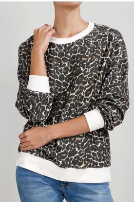 Buzo-de-punto-y-estampado-animal-print