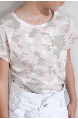 Tshirt-estampado-camuflado-rosado-y-grises
