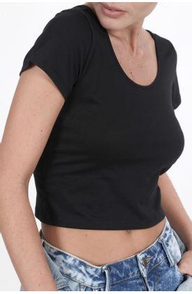 Tshirt-tipo-crop-y-cuello-redondo-escotado