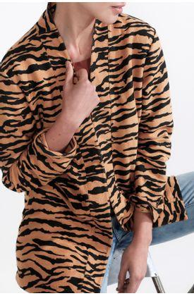 Buzo-de-punto-y-estampado-de-tigre