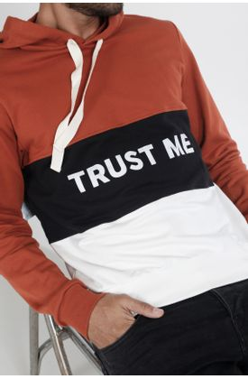 Buzo-de-punto-y-estampado-trust-me