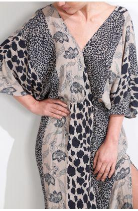 Vestido-largo-y-estampado-de-rayas-animal-print-y-flores