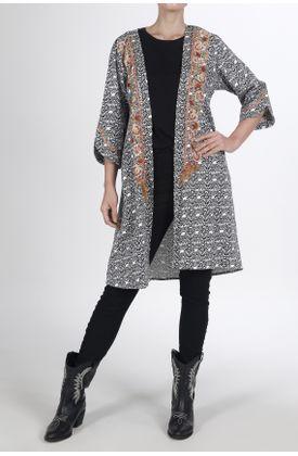 Kimono-estampado-y-con-arabescos