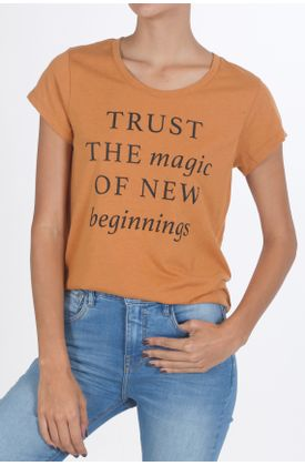 Tshirt-estampado-trust-the-magic-of-new-beginnings
