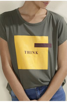 Tshirt-TopMark-con-estampado-think-outside-the-box