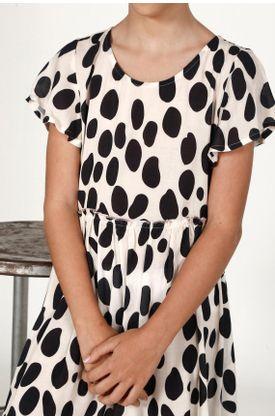 Vestido-niña-Tennis-corto-y-estampado-manchas-negras