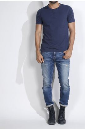 Tshirt-fondo-entero-azul-oscura-con-perilla