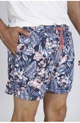 Pantaloneta-plana-y-estampado-de-flores-y-hojas